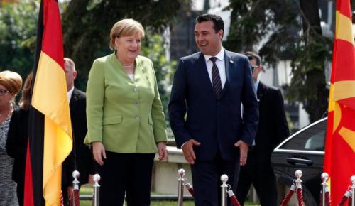 Στα Σκόπια η Μέρκελ: Ιστορική ευκαιρία για την ΠΓΔΜ το δημοψήφισμα | Pagenews.gr