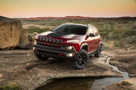 Το νέο Jeep Cherokee γίνεται πιο ικανό, στιλάτο και δυνατό | Pagenews.gr