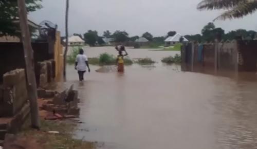 Νιγηρία: Τουλάχιστον 100 νεκροί από τις πλημμύρες σε 10 πολιτείες | Pagenews.gr