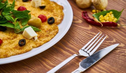 Η συνταγή της ημέρας: Ομελέτα με μελιτζάνα, μανιτάρια και ρόκα | Pagenews.gr