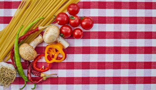 Η συνταγή της ημέρας: Μακαρονοσαλάτα με λιαστή ντομάτα και βασιλικό | Pagenews.gr