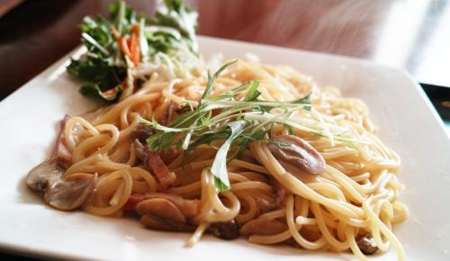 Η συνταγή της ημέρας: Πένες με σπανάκι και κοτόπουλο | Pagenews.gr