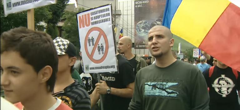 Ρουμανία: Δημοψήφισμα για την απαγόρευση των γάμων ομόφυλων ζευγαριών | Pagenews.gr