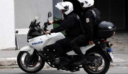 Επεισόδια στον Πειραιά: Θύματα ξυλοδαρμού έπεσαν δύο αστυνομικοί | Pagenews.gr