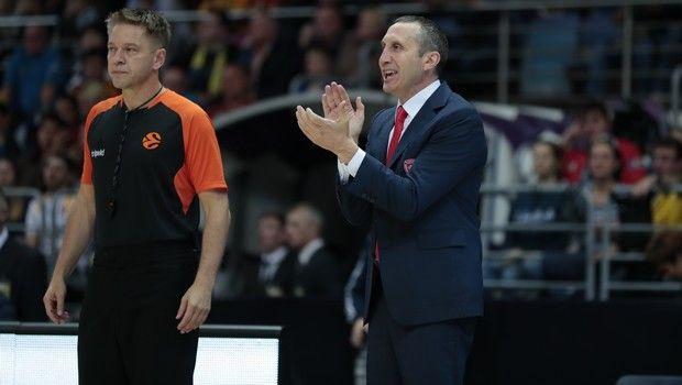 Μπλατ στους παίκτες του Ολυμπιακού: «Όποιος δεν μπορεί, σπίτι του» | Pagenews.gr