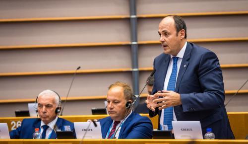 Ο αντιπρόεδρος της Λουξ ομιλητής στο 5ο Ευρωπαϊκό Κοινοβούλιο Επιχειρηματιών   Pagenews.gr