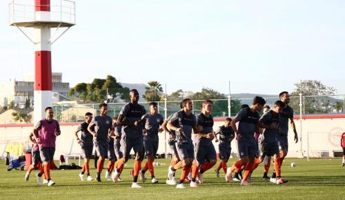 Ολυμπιακός: Νέο «αίμα» στις προπονήσεις λύνει τα χέρια του Μαρτίνς | Pagenews.gr