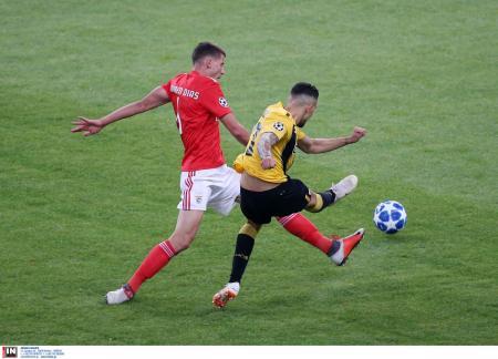 ΑΕΚ ΜΠΕΝΦΙΚΑ: Στο γήπεδο πρωταγωνιστής από το «Μην αρχίζεις τη μουρμούρα» (pic) | Pagenews.gr