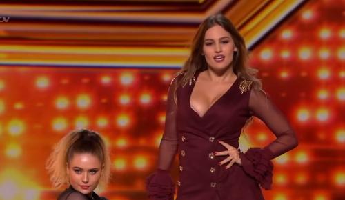 Αθηνά Μανουκιάν: Η Ελληνίδα που «μάγεψε» τους κριτές του βρετανικού X Factor (vid) | Pagenews.gr