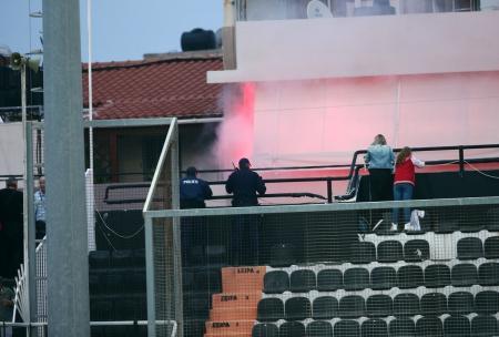ΟΦΗ – Ολυμπιακός: Επεισόδια στο «Γεντί Κουλέ» μεταξύ οπαδών του Ολυμπιακού και Αστυνομίας   Pagenews.gr