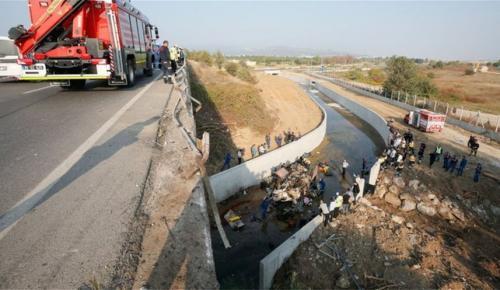 Τουρκία: Τραγωδία με 19 νεκρούς μετανάστες από ανατροπή φορτηγού (pics&vid) | Pagenews.gr