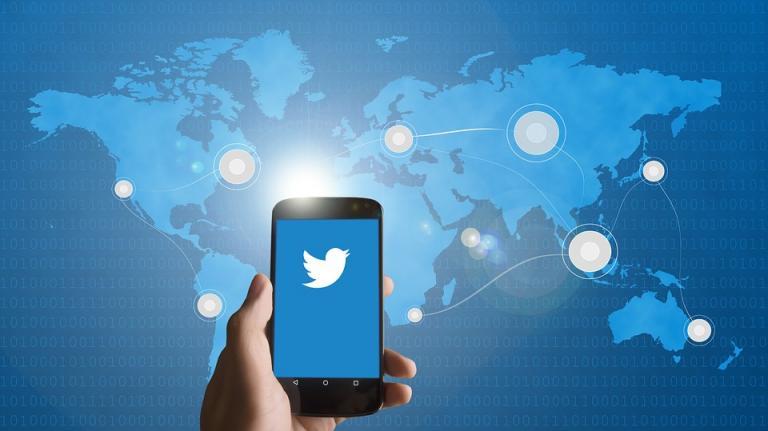 Facebook Down: Το twitter τρολάρει για το μπλακ άουτ (pics&vids) | Pagenews.gr