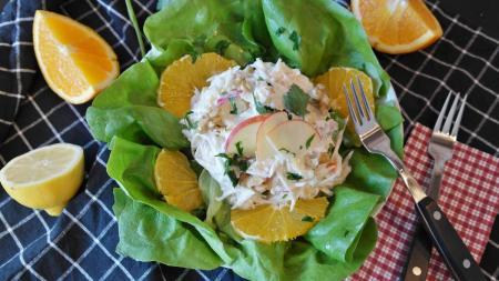 Η συνταγή της ημέρας: Σαλάτα σπανάκι με ξινόμηλα | Pagenews.gr