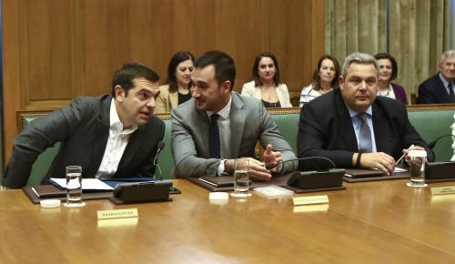 Υπουργικό συμβούλιο: Τα μηνύματα Τσίπρα, η ένταση Κοτζιά – Καμμένου και η έκτακτη σύσκεψη με φόντο το Σκοπιανό | Pagenews.gr