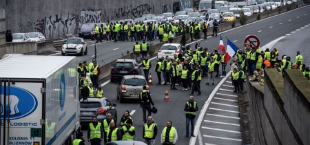 Γαλλία αύξηση τιμών στα καύσιμα: Διαδήλωση στο Παρίσι κατά του Μακρόν (pics) | Pagenews.gr