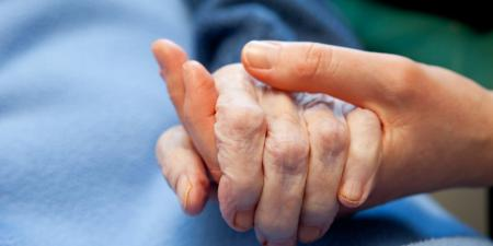 Ολλανδία ευθανασία: Αντιμέτωπος με ποινικές διώξεις γιατρός που έκανε ευθανασία σε γυναίκα με άνοια | Pagenews.gr