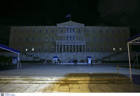 Προς πολιτικούς ταγούς (;) Σταματήστε τους άφρονες διχαστικούς λόγους | Pagenews.gr