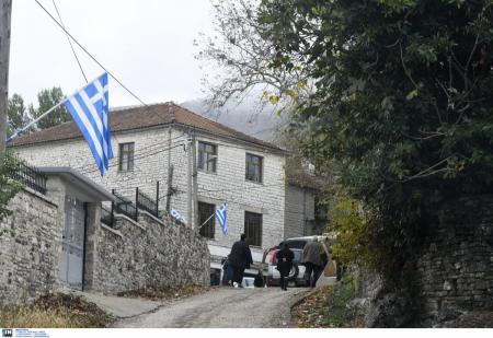 Προσαγωγές ομογενών: Στελέχη της ομογένειας της Βορείου Ηπείρου ανακρίνονται στο Αστυνομικό Τμήμα Αργυροκάστρου | Pagenews.gr