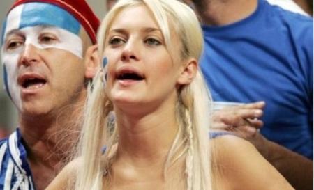 Νάντια Σερλίδου: Η ξανθιά οπαδός της Εθνικής που εντυπωσιάζει (pics) | Pagenews.gr