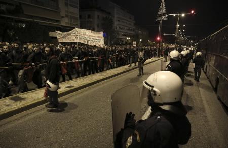 Πολυτεχνείο 2018: Οδοφράγματα στα Εξάρχεια | Pagenews.gr