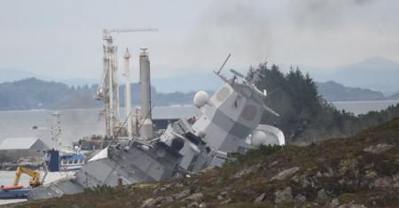 Φρεγάτα Νορβηγία: Κινδυνεύει να βυθιστεί έπειτα από σύγκρουση με πετρελαιοφόρο (pic&vid) | Pagenews.gr