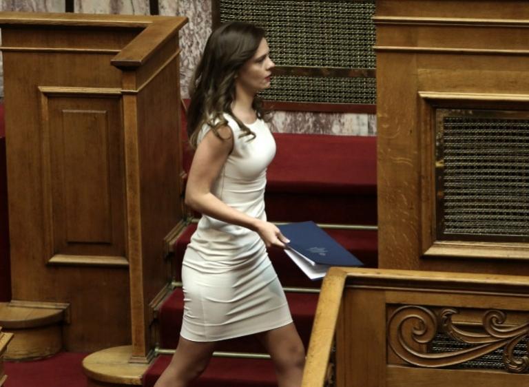 Αχτσιόγλου: Επιχορήγηση 145 εκατομμυρίων ευρώ για παροχές σε ανασφάλιστους υπερήλικες   Pagenews.gr