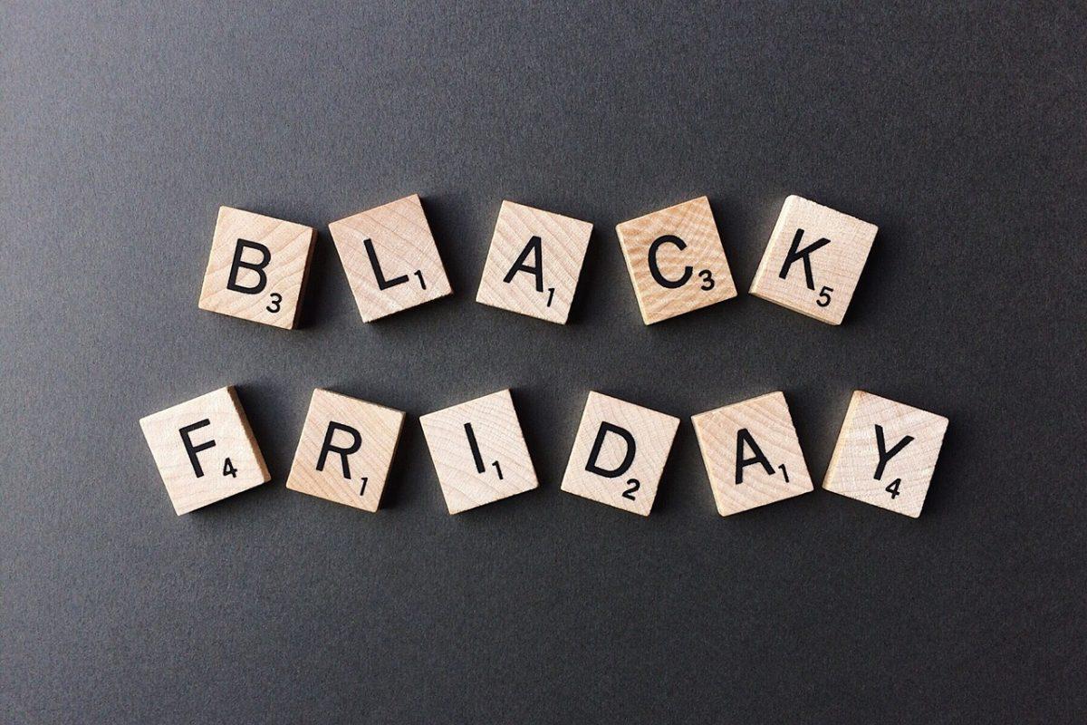 ade57afe3d5 Public Black Friday 2018: Ποια άλλα καταστήματα ήδη έχουν μεγάλες προσφορές  | Pagenews.gr