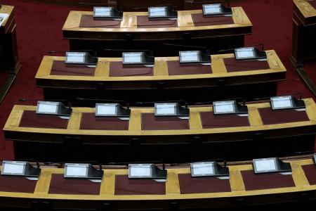 Ανατροπές και κωλοτούμπες στο πολιτικό σκηνικό και τις συμμαχίες των κομμάτων   Pagenews.gr