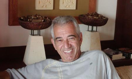 Φιλοκτήτης Διακομανώλης: Έφυγε από τη ζωή ο βραβευμένος συγγραφέας | Pagenews.gr