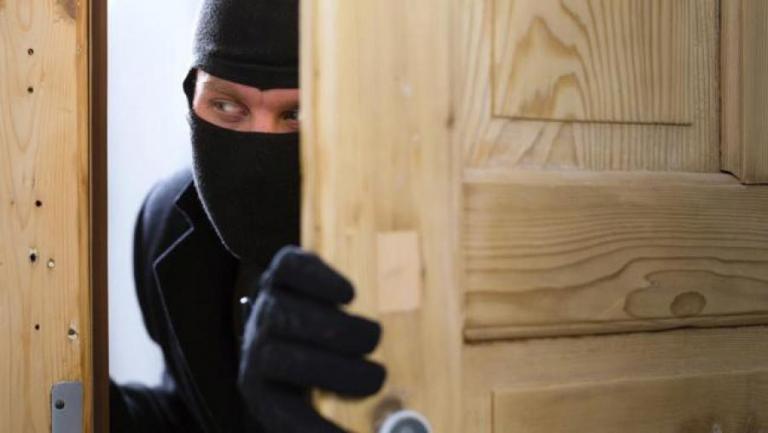 Τα τρία μυστικά που θα κρατήσουν τους διαρρήκτες μακριά απ' το σπίτι σας | Pagenews.gr