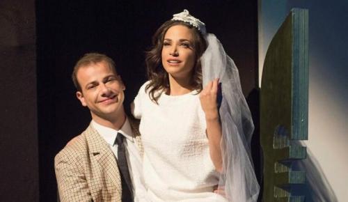 Χτυποκάρδια στο θρανίο: Άνοιξε το φερμουάρ της Γερονικολού στη σκηνή από πάνω μέχρι κάτω (vid) | Pagenews.gr