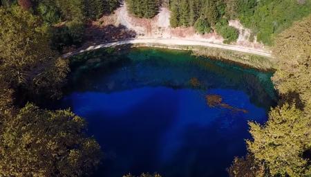 Πηγές Λούρου: Η γαλάζια λίμνη της Ηπείρου, βγαλμένη από καρτ ποστάλ (pics&vid) | Pagenews.gr