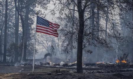Πυρκαγιά στη βόρεια Καλιφόρνια: Κατακαίει την περιοχή – Νεκροί και τραυματίες (pics&vid) | Pagenews.gr