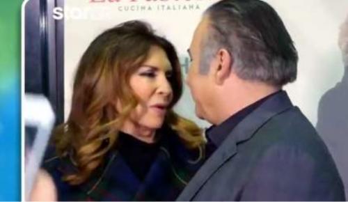 Λαζόπουλος – Ντενίση: Η «ιστορική» συμφιλίωση και τα φιλιά μπροστά στην κάμερα (vid) | Pagenews.gr