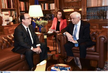 Συνάντηση Παυλόπουλου – Ολάντ: Ιστορικής σημασίας ο ρόλος του ΠτΔ για την παραμονή της Ελλάδας στην Ευρωζώνη (pics)   Pagenews.gr