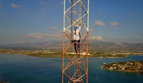Κωνσταντίνος Οροκλός: Σε ένα Base Jumping που κόβει την ανάσα (vid) | Pagenews.gr
