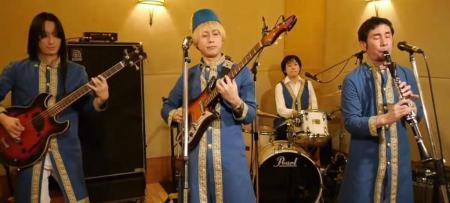 Ιάπωνες… Ουάρντα: Γιαπωνέζικο συγκρότημα τραγουδάει «βρε μελαχρινάκι» και γίνεται χαμός! (vids)   Pagenews.gr
