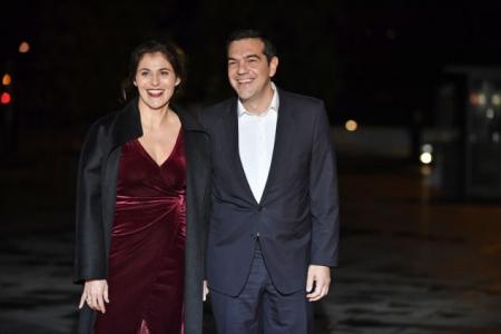 Τσίπρας και Μπαζιάνα στο δείπνο του Μακρόν (pics) | Pagenews.gr