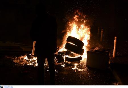 Γρηγορόπουλος: Ένας τραυματίας στα Εξάρχεια | Pagenews.gr
