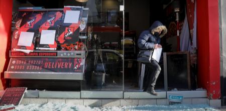 Θεσσαλονίκη – Ξυλοδαρμός ντελιβερά: Επίθεση στο κατάστημα εργοδότη που ξυλοκόπησε διανομέα | Pagenews.gr