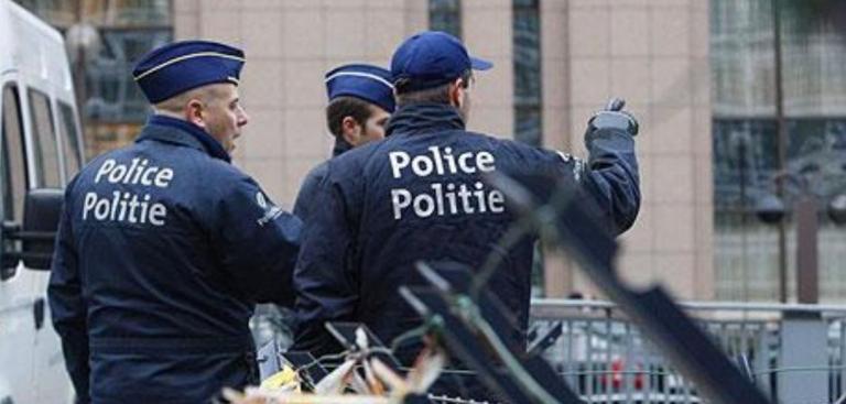 Βρυξέλλες: Ένοπλος άνοιξε πυρ με καλάσνικοφ σε εστιατόριο | Pagenews.gr