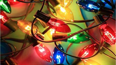 Χριστουγεννιάτικα λαμπάκια και ρεύμα: Πόσο «φουσκώνουν» τον λογαριασμό του ηλεκτρικού | Pagenews.gr