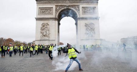 «Κίτρινα Γιλέκα» – Γαλλία: Τεθωρακισμένα βγαίνουν στους δρόμους | Pagenews.gr