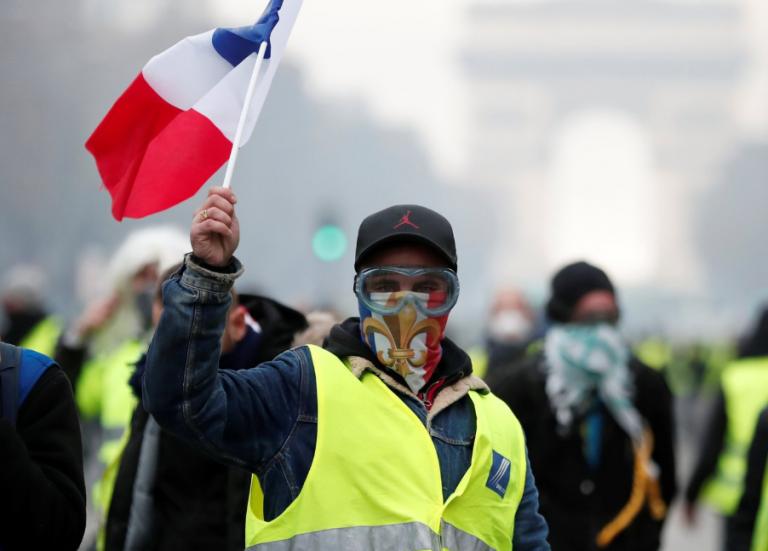 Κίτρινα Γιλέκα: Απαγορεύτηκαν οι διαδηλώσεις στο Παρίσι και σε άλλες πόλεις   Pagenews.gr