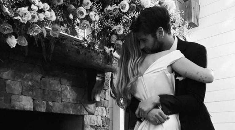 Miley Cyrus: Ο γάμος της στα κρυφά με τον Liam Hemsworth | Pagenews.gr