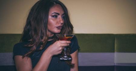 «Τον βιασμό δεν τον προκαλούν τα ρούχα ή το αλκοόλ. Τον βιασμό τον προκαλεί ο βιαστής» | Pagenews.gr