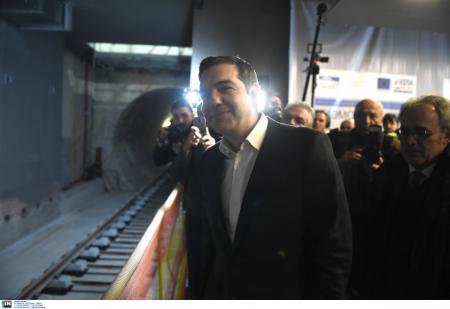 Τα εγκαίνια, οι επιθεωρήσεις και οι πονηροί προπαγανδιστές | Pagenews.gr