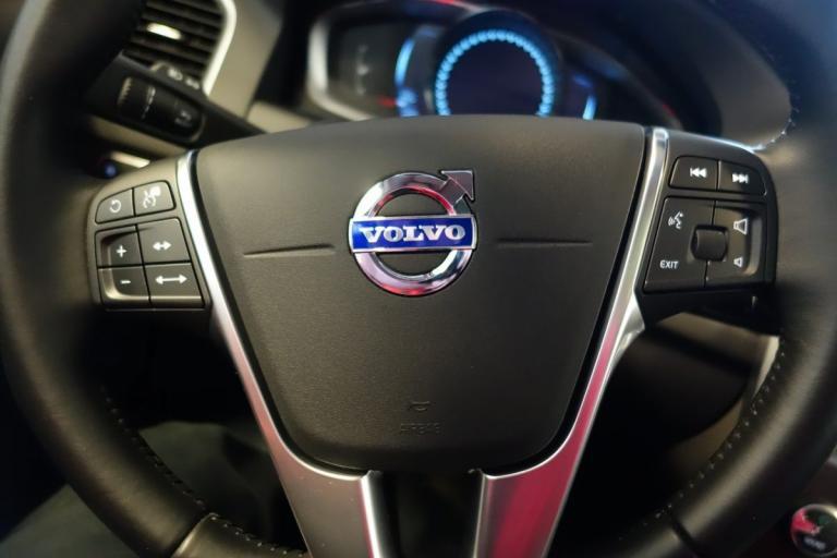 Volvo: Θεσπίζει γονική άδεια με αποδοχές σε όλους τους εργαζόμενους | Pagenews.gr