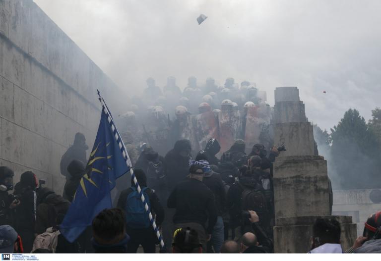 Επεισόδια στο συλλαλητήριο για την Μακεδονία: Εκτεταμένη χρήση χημικών από τα ΜΑΤ | Pagenews.gr