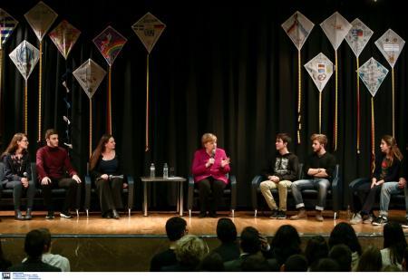 Επίσκεψη Μέρκελ: Συνάντηση με τους μαθητές της Γερμανικής Σχολής Αθηνών (pics)   Pagenews.gr